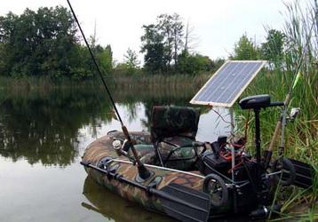 Солнечная батарея на лодке