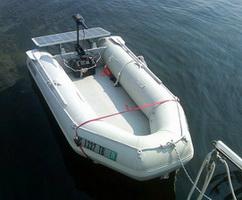 Солнечная батарея в море